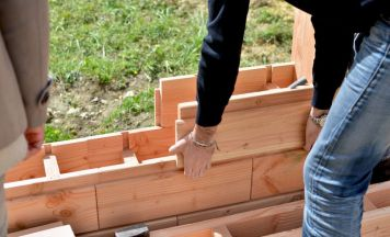 Brikawood-interlocking-wooden-bricks-help-build-house-without-nails-or-screws_7 (1)